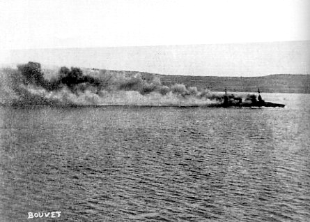 Bouvet_sinking_March_18_1915.jpg